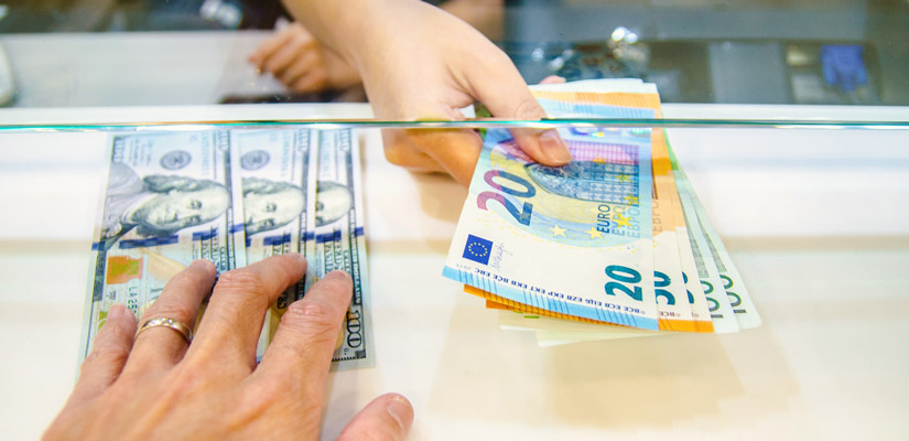 5 Tips to save money on your foreign currency exchange